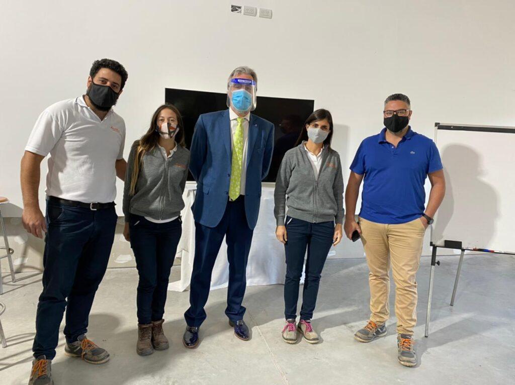 Horacio Botta Bernaus junto a coordinadores de Anjor S.A tras finalizar el taller